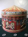 Stara limena kutija karusel